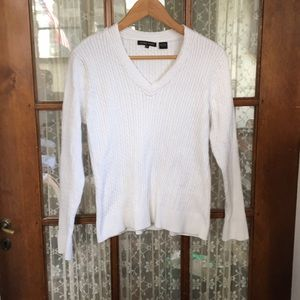 Jeanne Pierre cableknit white v-neck sweater, XL
